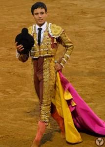Yannis-El Adoureño